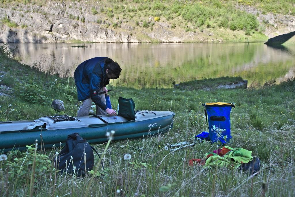 Preparazione della Canoa In Val Vestino