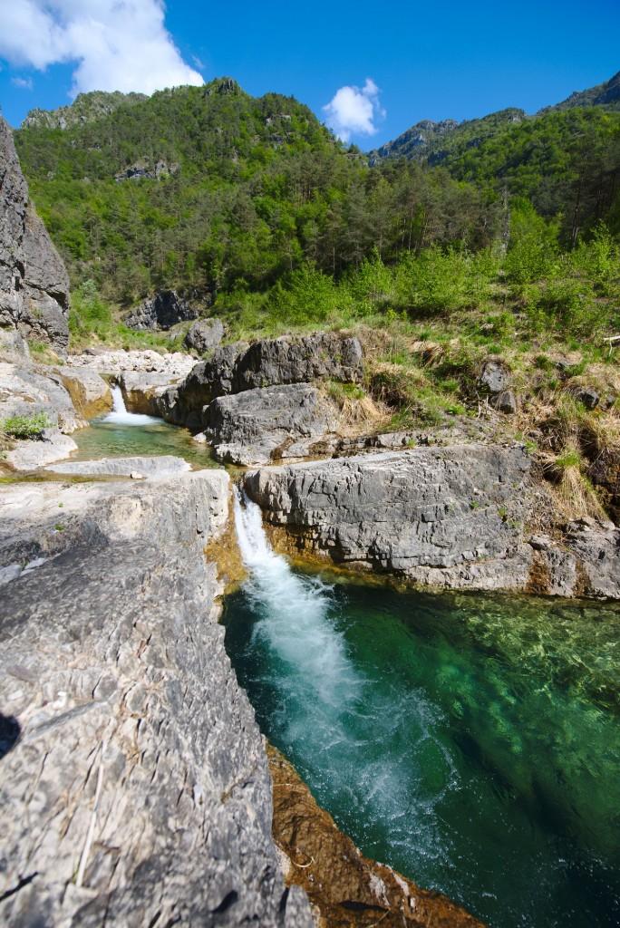 Fare il bagno sul fiume Vesta
